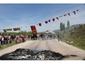 PKK yandaşları kaçırdıkları öğretmenleri 12 saat sonra serbest bıraktı