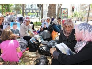 Çocuklarını örgütten isteyen aileler açlık grevine başladı