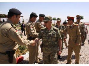 Türk ve Iraklı komutanlar sınırda toplantı yaptı
