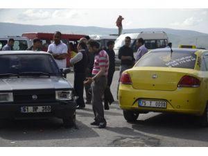 Karşıdan karşıya geçerken araç çarptı: 1 yaralı