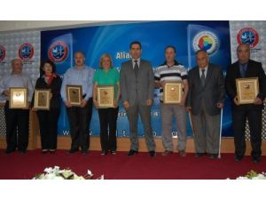 Aliağa Ticaret Odası Onur Ödülleri sahiplerini buldu