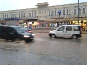 İzmir'de şiddetli yağmur