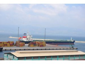 Dev gemi Grizzly, Bandırma Çelebi Limanı'na demir attı