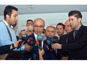 Bakan Elvan: Çocuğa bayrağı indirtenler en ağır şekilde cezalandırılmalı