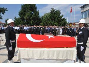 Edirne'de şehit düşen polisin babası: Oğlum seni böyle mi götürecektik