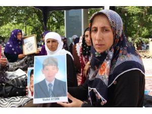 Diyarbakır'da açlık grevine giren aileler hastaneye kaldırıldı
