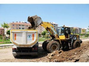 Pursaklar'da asfalt ve imar yolu çalışması arttı