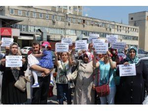 Anneler, kanser hastası çocukları için eylem yaptı