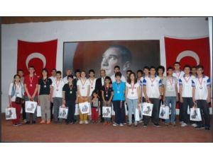 Matematik Olimpiyatları'nda Burçlu öğrenciler 10 madalya aldı