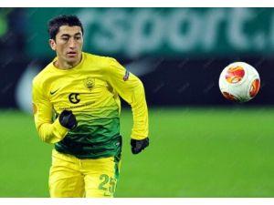 Özbek futbolcu Ahmedov Anji'den ayrıldı