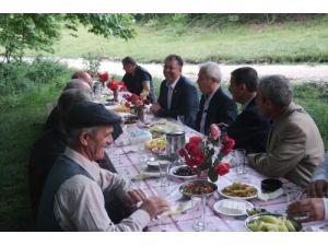 Mahalleye dönen iki köy halkı kaynaşma yemeğinde buluştu