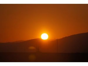 Yağmurlu günlerin ardından Ankara, güneşli bir güne uyandı