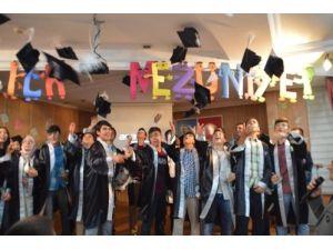 Özel Sakarya Koleji ilk mezunlarını uğurladı