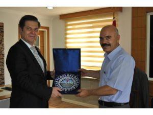 Osmaniye İl Emniyet Müdürü Ceren'den Kadirli Kaymakamı Çakmak'a veda ziyareti