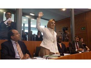 Türk vekiller Brüksel Meclisi'nde yemin etti