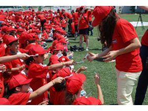 3 bin 500 ilkokul öğrencisi ile diş fırçalama rekor denemesi