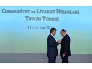 Çankaya Köşkü'nde Cumhuriyet ve Liyakat nişanları tevcih töreni