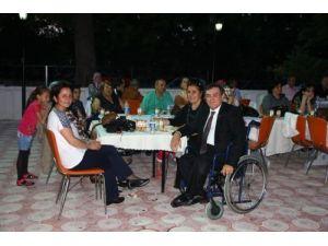 Engelliler yaza merhaba yemeğinde bir araya geldi