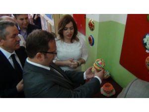 Eflani'de öğrencilerin resim sergisi açıldı