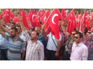 Soma'da Ülkü Ocakları bayrak yürüyüşü düzenledi