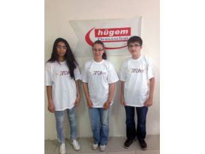 HÜGEM Anafen TEOG sınavında 3 öğrenci Türkiye birincisi çıkardı