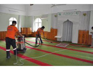 Toroslar'da camiler Ramazan'a hazırlanıyor