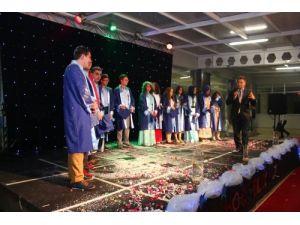 Kırklareli Fatih Koleji ilk mezunlarını törenle uğurladı