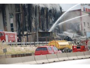 Dilovası'ndaki fabrika yangını kontrol altına alındı