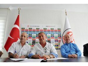 Antalyaspor, Teknik Direktör Engin Korukır'la 1 yıllığına anlaştı