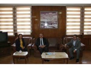 Hakkari Valisi, Belediye Başkanı Hatipoğlu'nu ziyaret etti