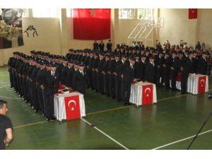Erzincan PMYO'da mezuniyet sevinci