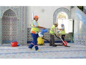 Muratpaşa'daki 135 cami Ramazan'a hazırlanıyor