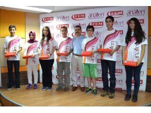 Mersin Anafen TEOG-2'de Türkiye 1. olan 8 öğrencisini ödüllendirdi
