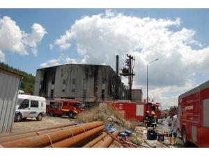 Yağ dönüşüm fabrikasındaki yangın söndürüldü, kapanan D-100 ulaşıma açıldı
