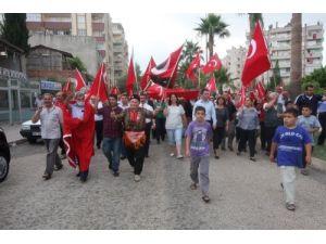 Kozan'da 'Bayrağına Sahip Çık' yürüyüşü