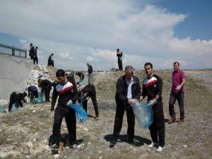 Vangölü sahilleri temizlendi