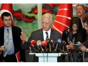 CHP, görüşmeye gelen Davutoğlu'ndan istifa etmesini istedi
