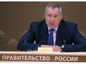 Medvedev'in yardımcısı Rogozin: Dağılan Sovyet kayacıklarını toplama zamanı