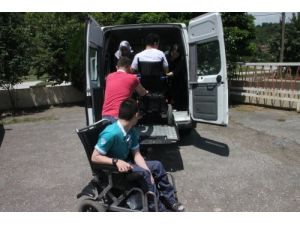 Engellilere zorluk çıkaran özel halk otobüslerine tepki