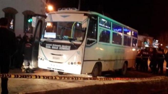 Halk Otobüsü Üniversiteli Kızlara Çarptı: 1 Ölü, 1 Yaralı