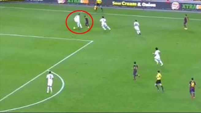 Alves, Ronaldo'yu dünyaya rezil etti