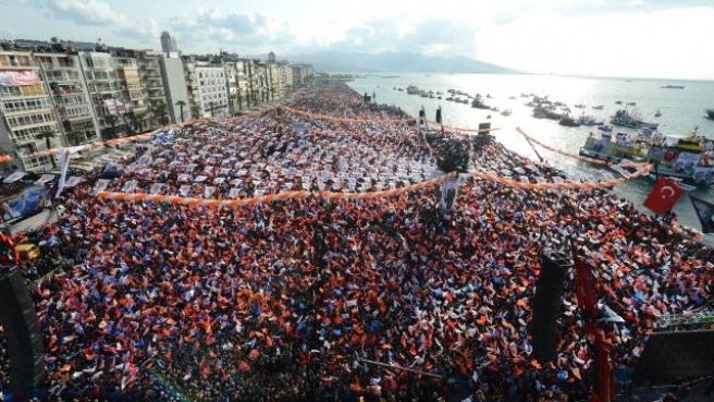 AK Parti, İzmir'de Göçmen Oylarının Peşinde