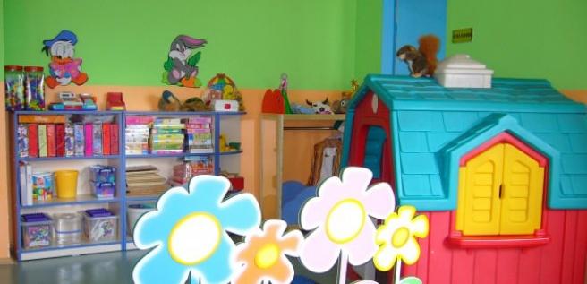 Cezaevinde kalan çocuklar için oyun odası