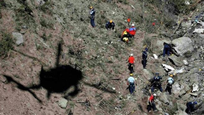 Düşen Uçakta Parçalanmamış Cesede Ulaşılamadı