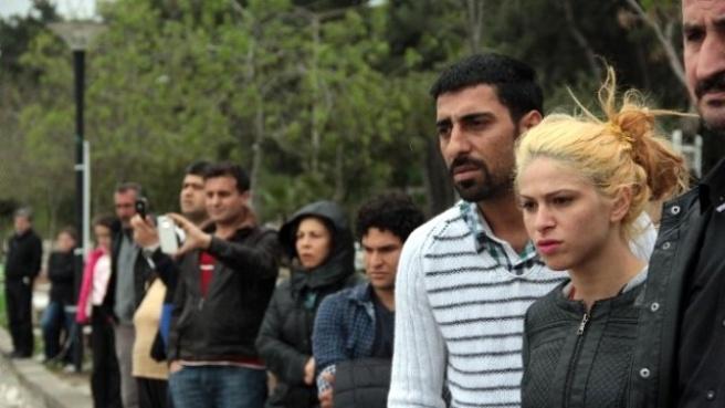 Ceset Yerine 'Kütük' Çıkınca Meraklı Vatandaşlar Derin Bir 'Oh' Çekti
