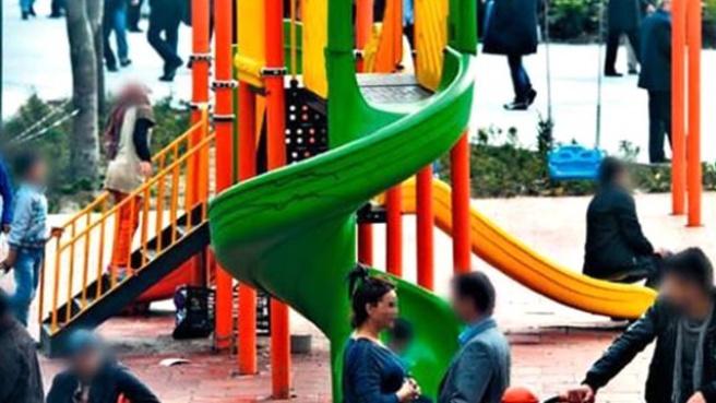 Çocuk Parkında Fuhuş Pazarlığı