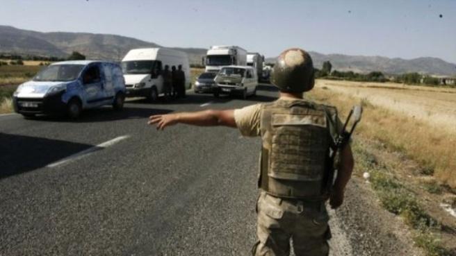 PKK'ya Katılmak İsteyen 10 Kişi Resmi Plakalı Araçta Yakalandı