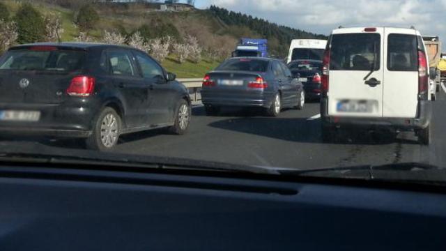 TEM'de Trafik Kazası: 2 Ölü