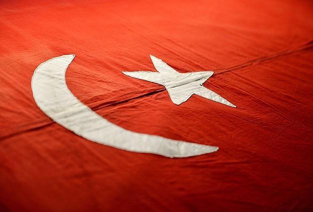 İngilizler Osmanlı Bayrağını İade Etti