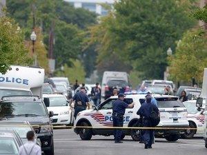 İslam Karşıtı Yarışmaya Silahlı Saldırı